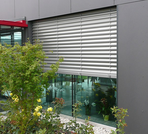 Hella Exterior Venetian Blinds Can Be Automated For Light